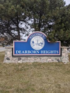 the welcome sign for dearborn heights