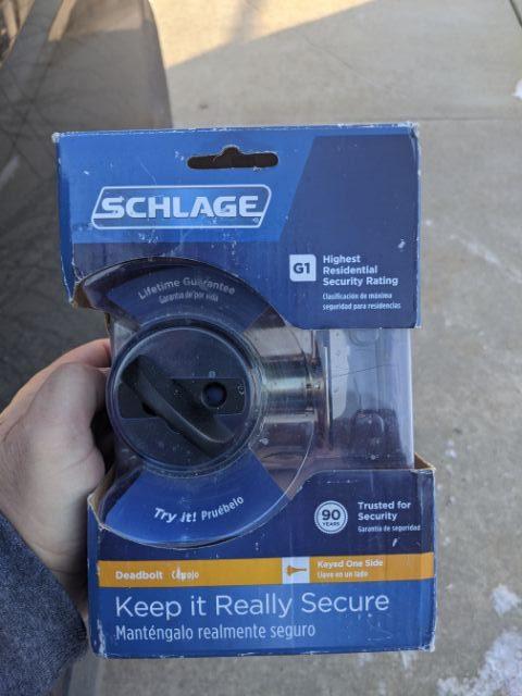 Detroit-locksmith-schlage-deadbolt-rekey-lockout-rotated.jpg